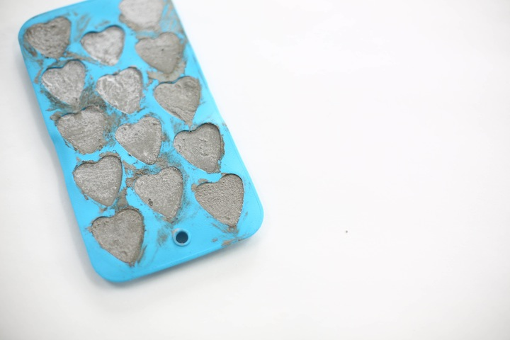 DIY Concrete hearts-1