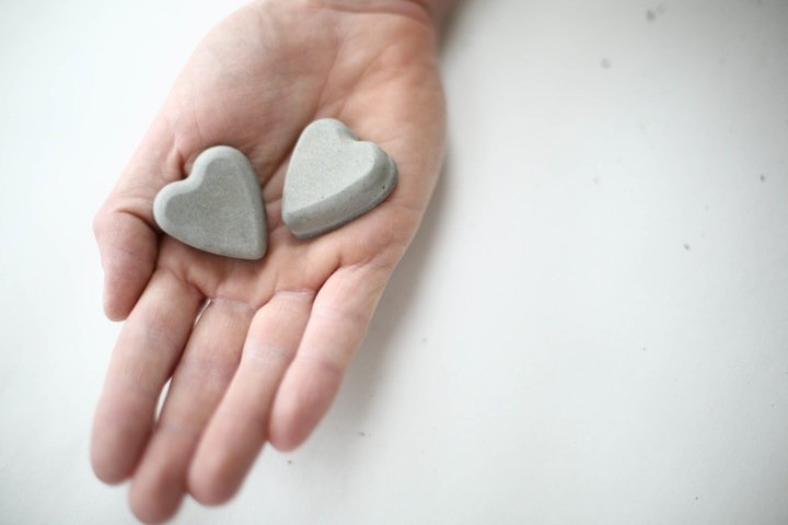 DIY Concrete hearts-2