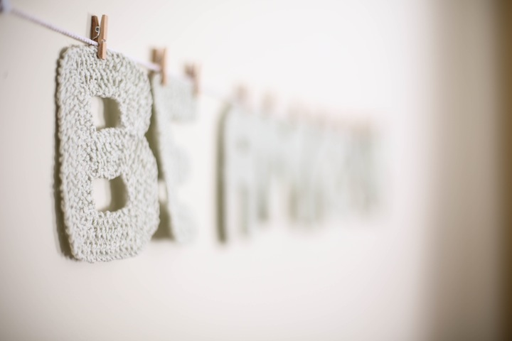 Knit Letter Banner // diy : Blog a la Cart