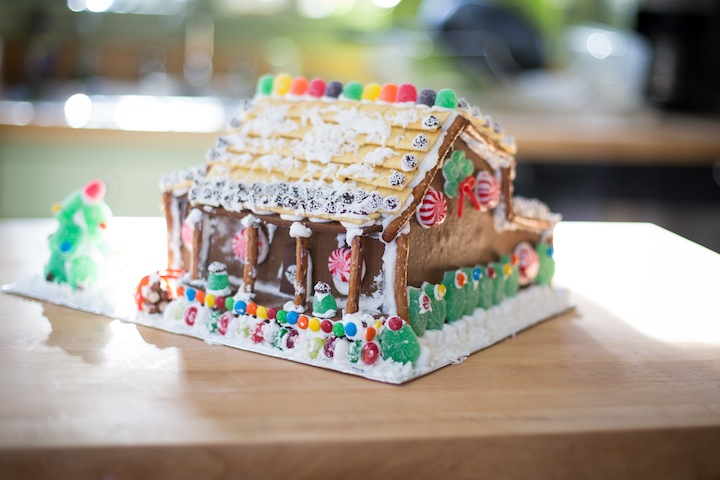 gingerbreadhousefinished2013_blogalacart-2