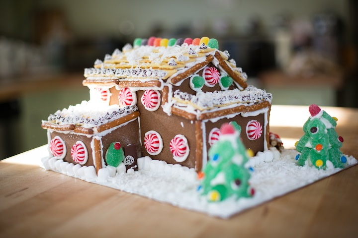 gingerbreadhousefinished2013_blogalacart-4