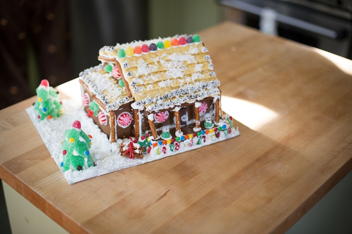 gingerbreadhousefinished2013_blogalacart-6