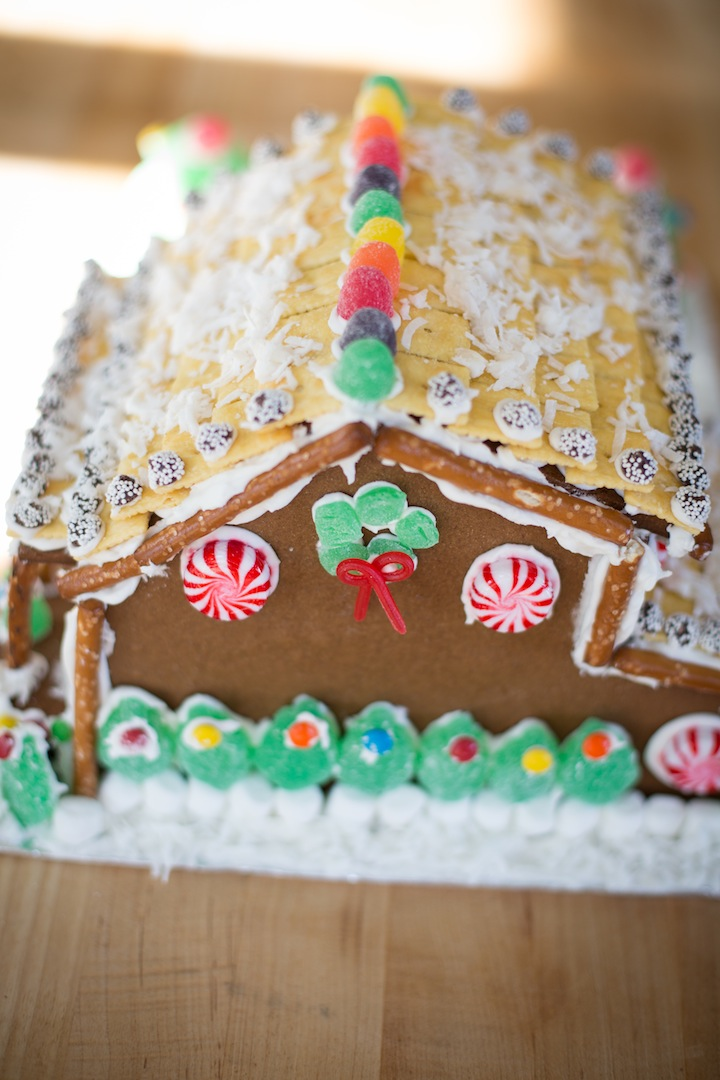 gingerbreadhousefinished2013_blogalacart-8