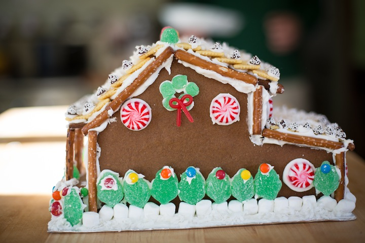 gingerbreadhousefinished2013_blogalacart-9